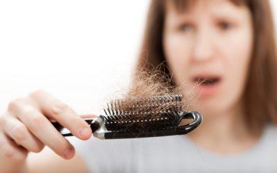 Comment arrêter la perte de cheveux chez la femme ?